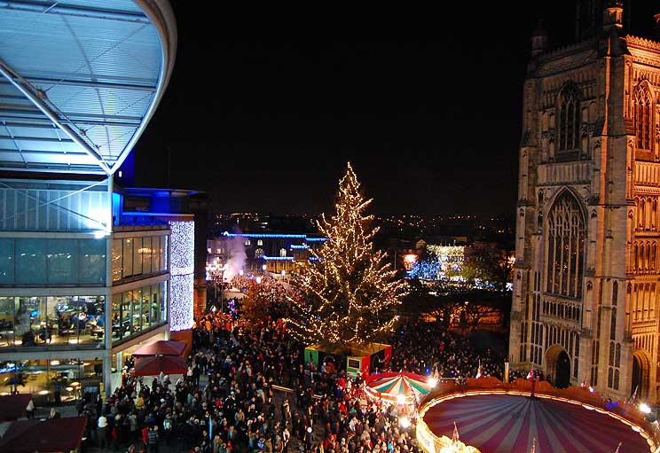 Norwich's Christmas lights - BBC - In Pictures: Norwich Christmas Lights Switch-on 2010