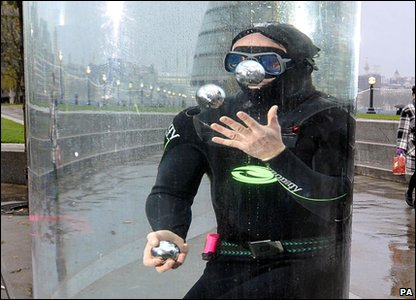 World record holder for juggling underwater