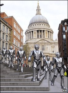 Cybermen in London: Outside St Paul's Cathedral