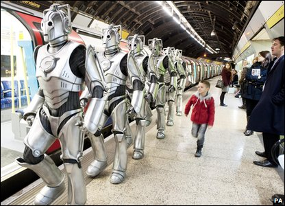 Cybermen in London: Getting on a tube train
