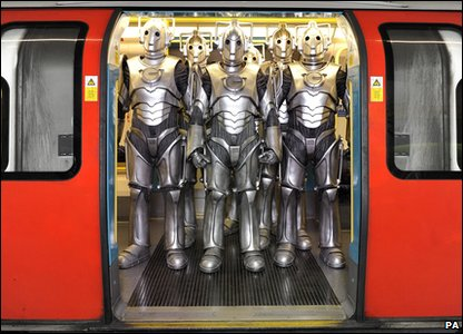 Cybermen in London: On a tube train