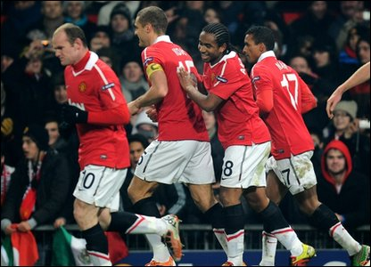 Manchester United players in action