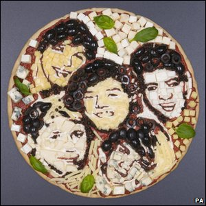 Pizza of X Factor finalists One Direction's faces made by food artist Prudence Staite