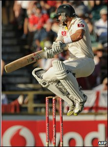 Aussie batsman Shane Watson lead the fight back helping his team to  finish day two on 119-3  - 200 runs ahead of England.