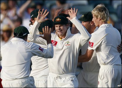 The Aussie bowlers were just too good for the England batsman and the team end the day on 81-5.