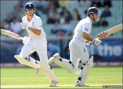 England go into bat a confident bunch! Andrew Strauss and Alistair Cook start. At the end of Day one, England are 157-0.