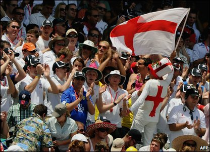 After a nerve-racking few hours Australia manage to cling on and end the day on 213-7. With an England victory almost in sight the fans are pretty happy!