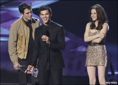 People's Choice Awards 2011 - Twilight stars Robert Pattinson, Taylor Lautner and Kristen Stewart