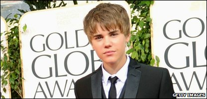 Justin Bieber at the Golden Globe awards - with his new hair style!