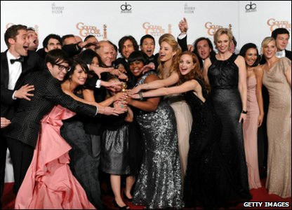 Golden Globes 2011 - cast of Glee