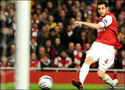 Cesc Fabrega scores for Arsenal