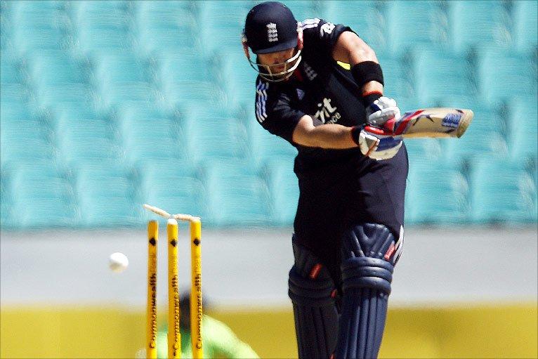 BBC Sport - Cricket - Australia v England 6th ODI photos