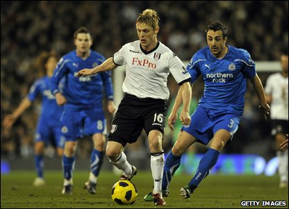 Fulham v Newcastle - Damien Duff with the ball