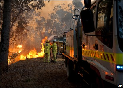 Fire crew trying to deal with bushe fires in Australia
