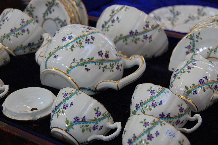 Royal Wedding Gifts: In Pictures: Royal Wedding Gift Goes On Sale In Dorset