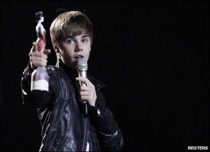 Brits: Justin Bieber at the Brit Awards 2011