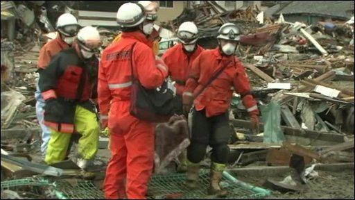 Man pulled alive from the rubble in Japan