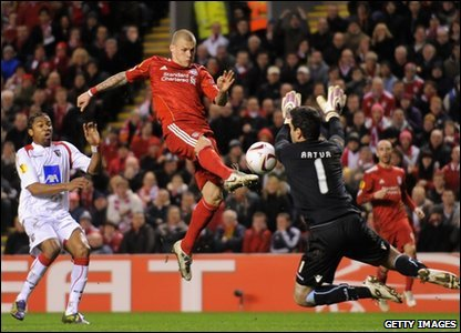 Martin Skrtel of Liverpool has a shot saved by Artur Moraes of SC Braga