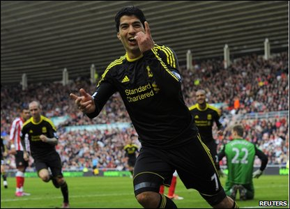 Luis Suarez celebrates scoring against Sunderland.