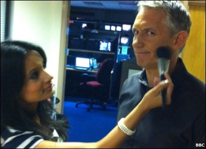 Kickabout's Sonali putting make-up on MOTD presenter Gary Lineker