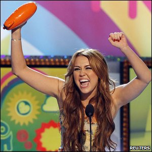 Nickelodeon Kids' Choice Awards 2011 - Miley Cyrus wins the favourite movie actress award