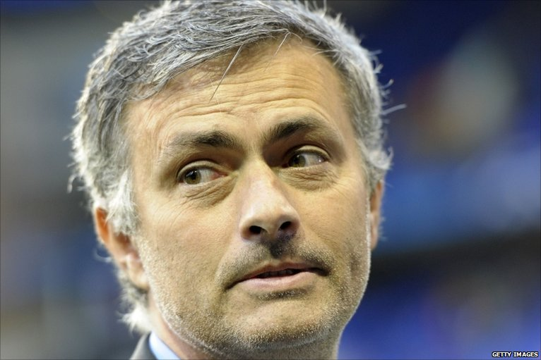 Sport w kraju i na świecie.  Mourinho nie wróci do Chelsea Londyn.