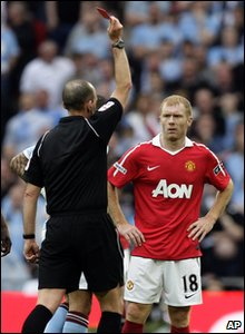 FA Cup - Manchester City 1-0 Manchester United - Paul Scholes gets a red card