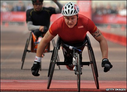 David Weir wins the men's wheelchair section of the London Marathon