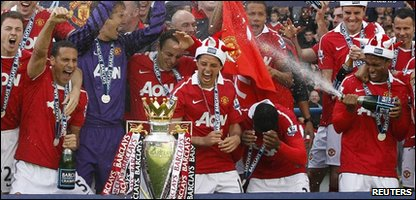 Manchester United celebrate Premier League success