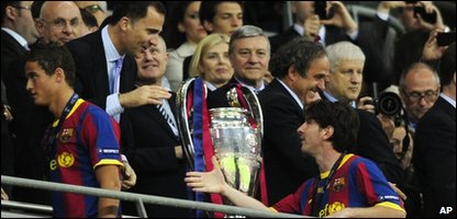 Barcelona collect the cup