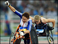 Tanni Grey Thompson winning gold for Great Britain in the women's T53 100 metres at Athens