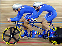 Great Britain's Ian Sharpe (back) with his guide Paul Hunter during the Men's 4km individual pursuit