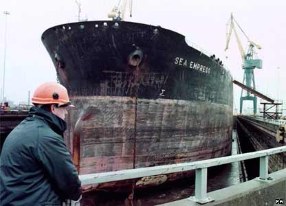 BBC NEWS | In detail | The Sea Empress disaster | Dry dock