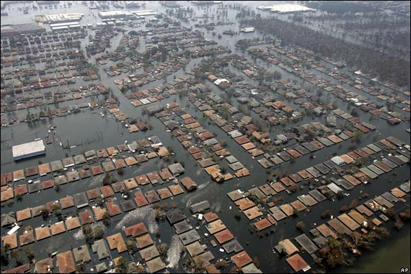 Pictures American Refugees: The Aftermath of Hurricane Katrina