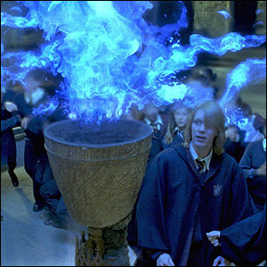 http://news.bbc.co.uk/nol/shared/spl/hi/pop_ups/05/entertainment_goblet_of_fire/img/8.jpg