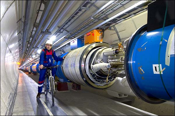 BBC News | In pictures | The Large Hadron Collider | Tunnel vision
