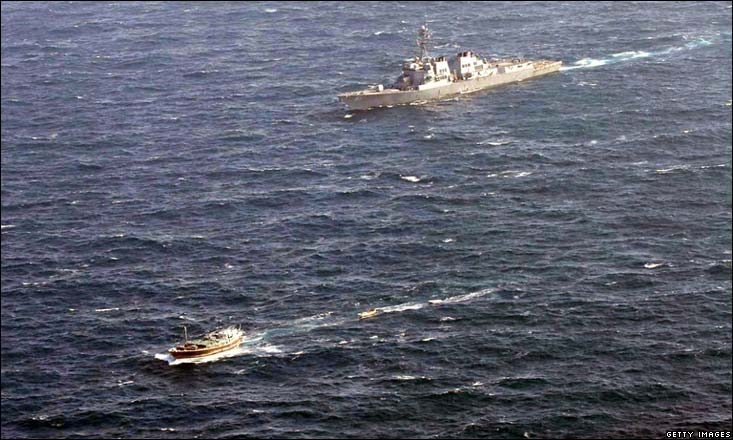 US Warship tracks Somali Pirates
