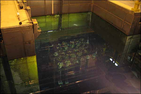 Future Of News >> BBC News | In pictures | Sellafield's future | Cooling pool