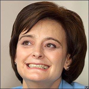 http://news.bbc.co.uk/nol/shared/spl/hi/pop_ups/06/uk_politics_cherie_blair0s_hair/img/1.jpg