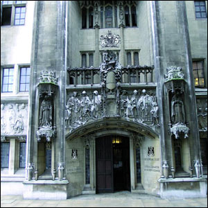 http://news.bbc.co.uk/nol/shared/spl/hi/pop_ups/07/uk_uk_supreme_court/img/3.jpg