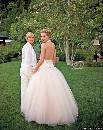 I really really REALLY love Portia 39s wedding dress Ellen doesn 39t look too