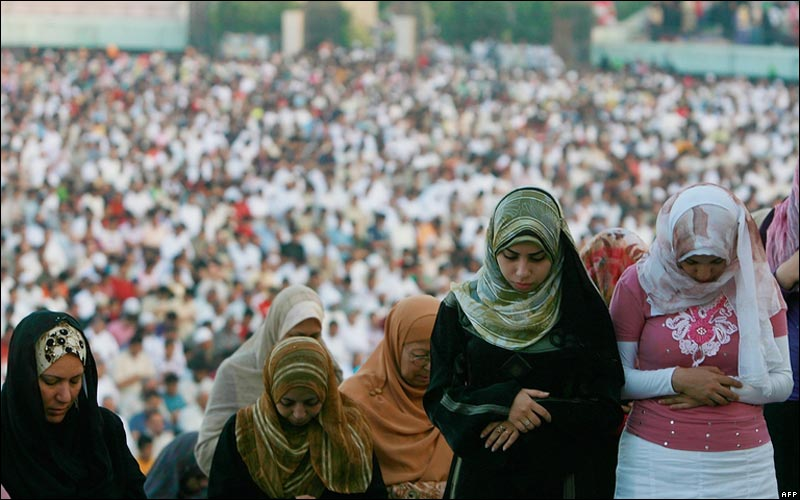 Khaled Desouki/AFP). Via BBC.