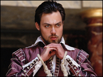 Alex Hassell playing Claudio in Measure for Measure
