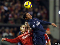 Arsenal's Denilson (R) competes with Liverpool's Lucas Leiva