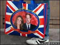 Carrier bag with Will and Kate