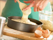 Making sponge cake (Thinkstock photo)