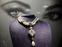 La Peregrina, a pearl, diamond and ruby necklace owned by Elizabeth Taylor