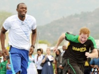 Usain Bolt races Prince Harry
