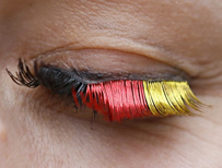 Eyelashes in the colour of the German flag