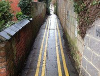 Double yellow lines in Swindon